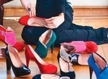El extraño arte de viajar con los zapatos justos