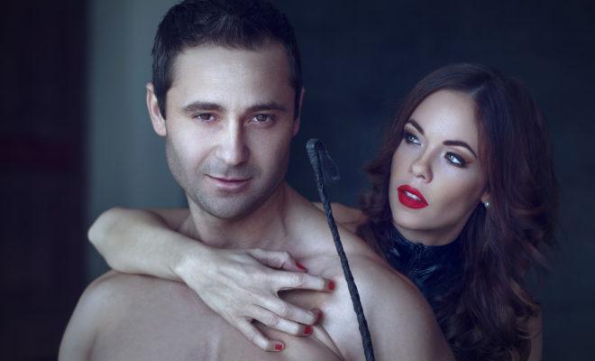 20 fantasías sexuales que toda mujer debe cumplir antes de los 30.