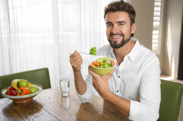 Person doing a healthy diet