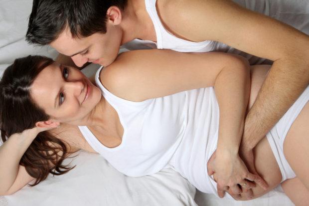 embarazo-sexo-amor-pareja
