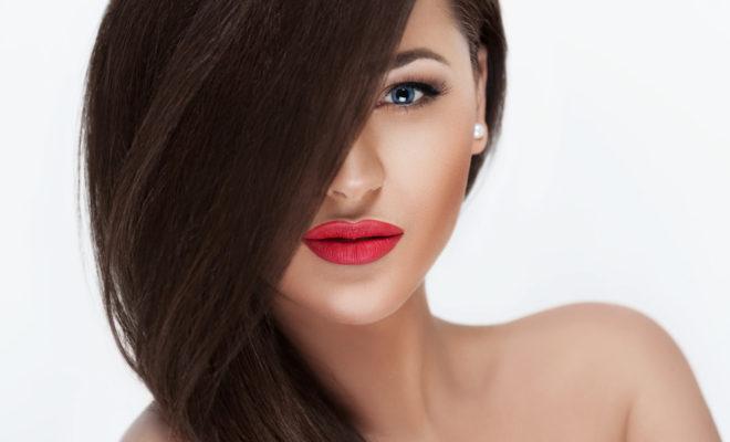 Por qué deberías usar aceite una vez a la semana en tu cabello