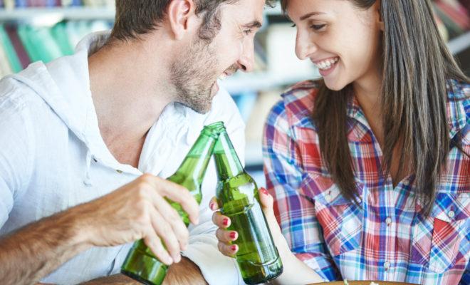 Las parejas que beben juntas permanecen unidas