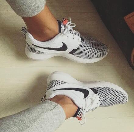 amo-esas-sneakers