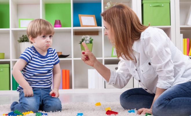 Si mi hijo no quiere abrazar, ¿tengo que obligarlo?
