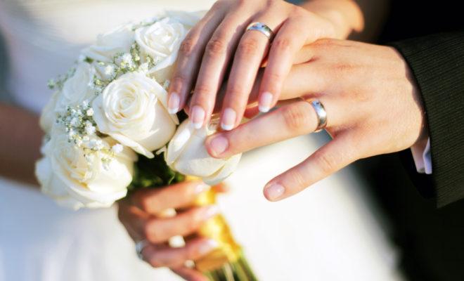 ¿Sabes por qué el anillo de boda va en el dedo anular?