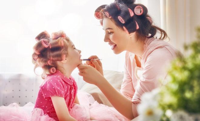 Cosméticos que no dañan la piel de tu hija