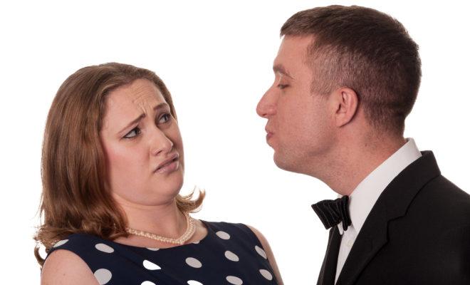 7 tipos de besos que todas las mujeres odiamos