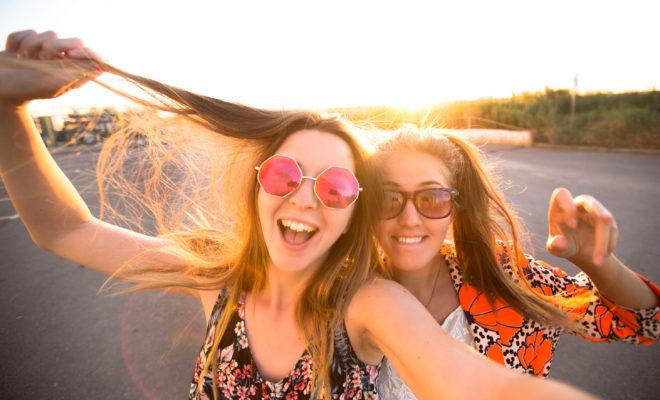 6 locos momentos con tu amiga