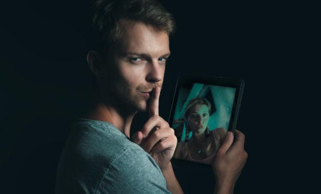 Consejos para saber si tu pareja te engaña