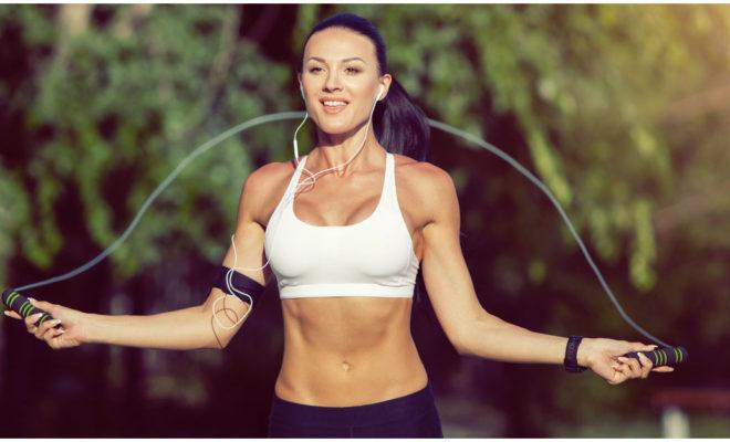 Saltar la cuerda tiene más de un beneficio para tu cuerpo