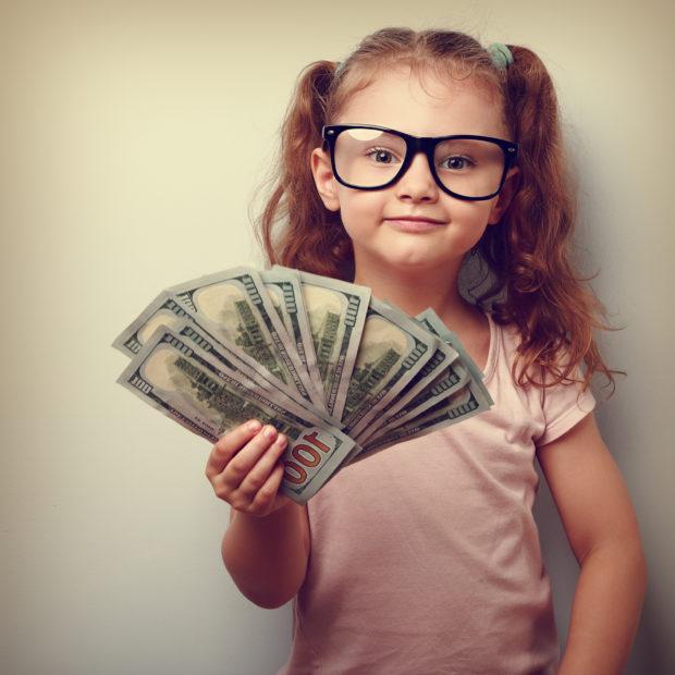 niña dinero ahorro