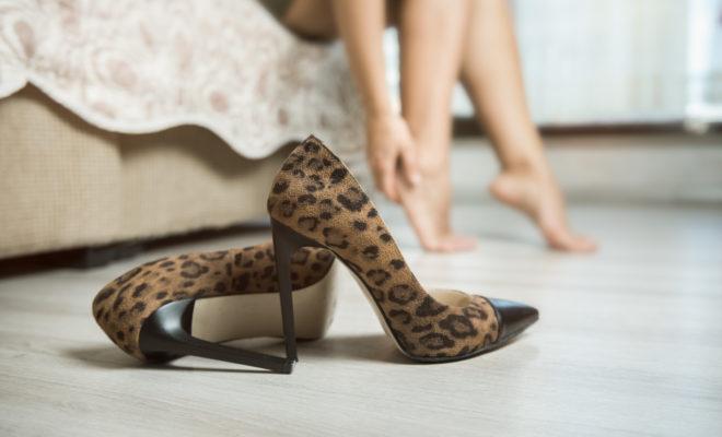 Cómo cuidar tus pies si usas tacones a diario
