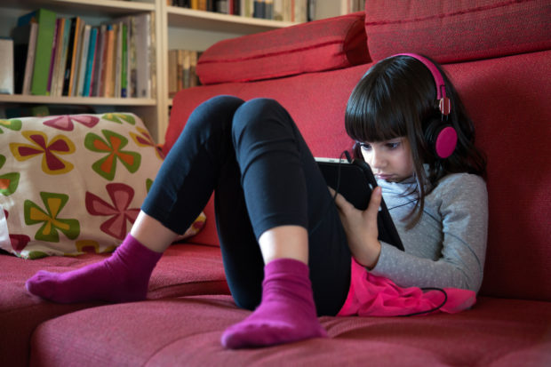 internet niña tablet