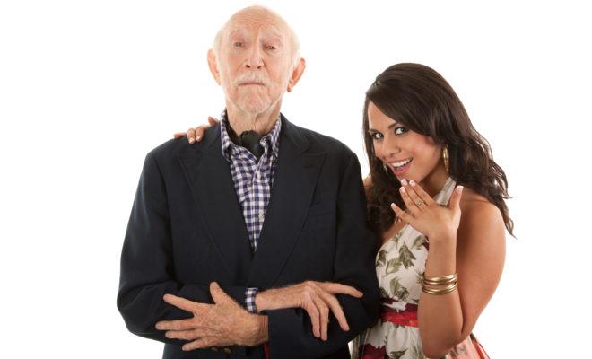 Ventajas de salir con un hombre mucho mayor que tú