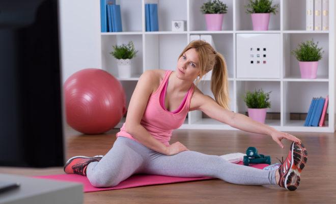 5 ejercicios para hacer mientras ves televisión