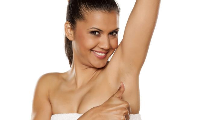 Ingredientes naturales que te ayudan a quitarte las manchas de las axilas