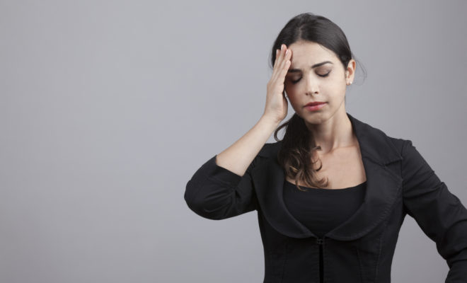 5 actitudes que no soportan los solteros de las parejas