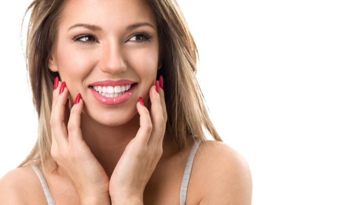 Trucos para blanquear tus dientes poco a poco