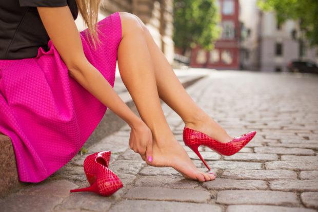 pies zapatos