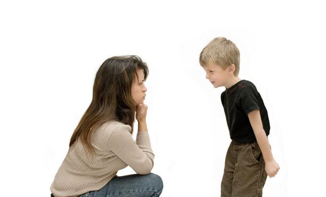 Si me encuentro con niños insoportables, ¿puedo regañarlos?