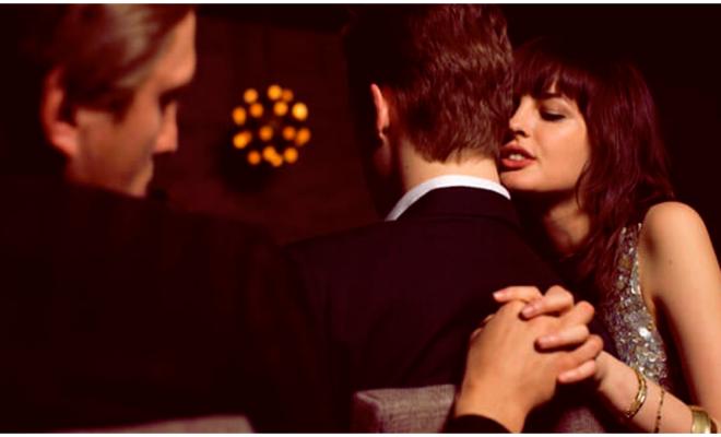 Cuando una mujer es infiel, ¿qué busca en su amante?