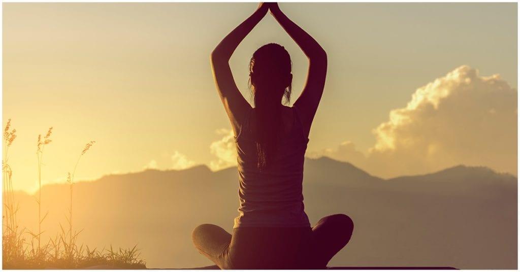 Ejercicio de meditación: esto es lo que le pasa a tu cuerpo cuando lo haces