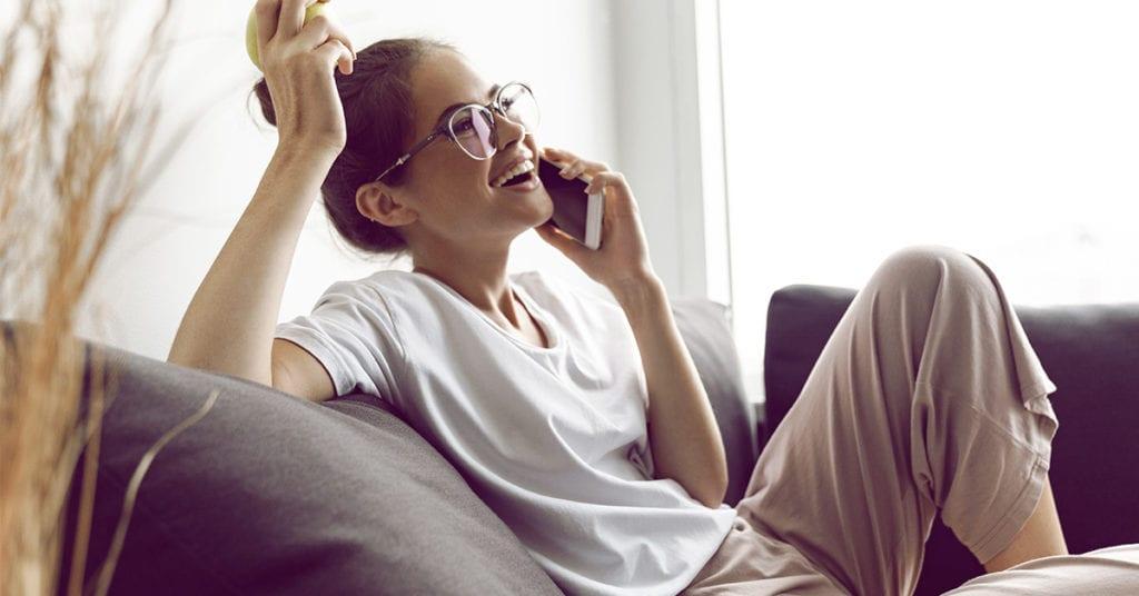 5 razones por las que hablar por teléfono es mejor para tu relación que textear
