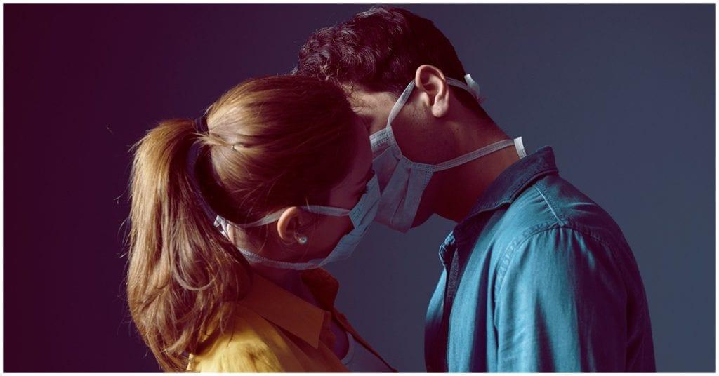 Consejitos para seguir complaciendo a tu pareja en tiempos de pandemia